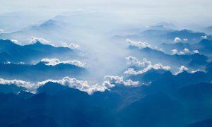 Berg och moln, horisont